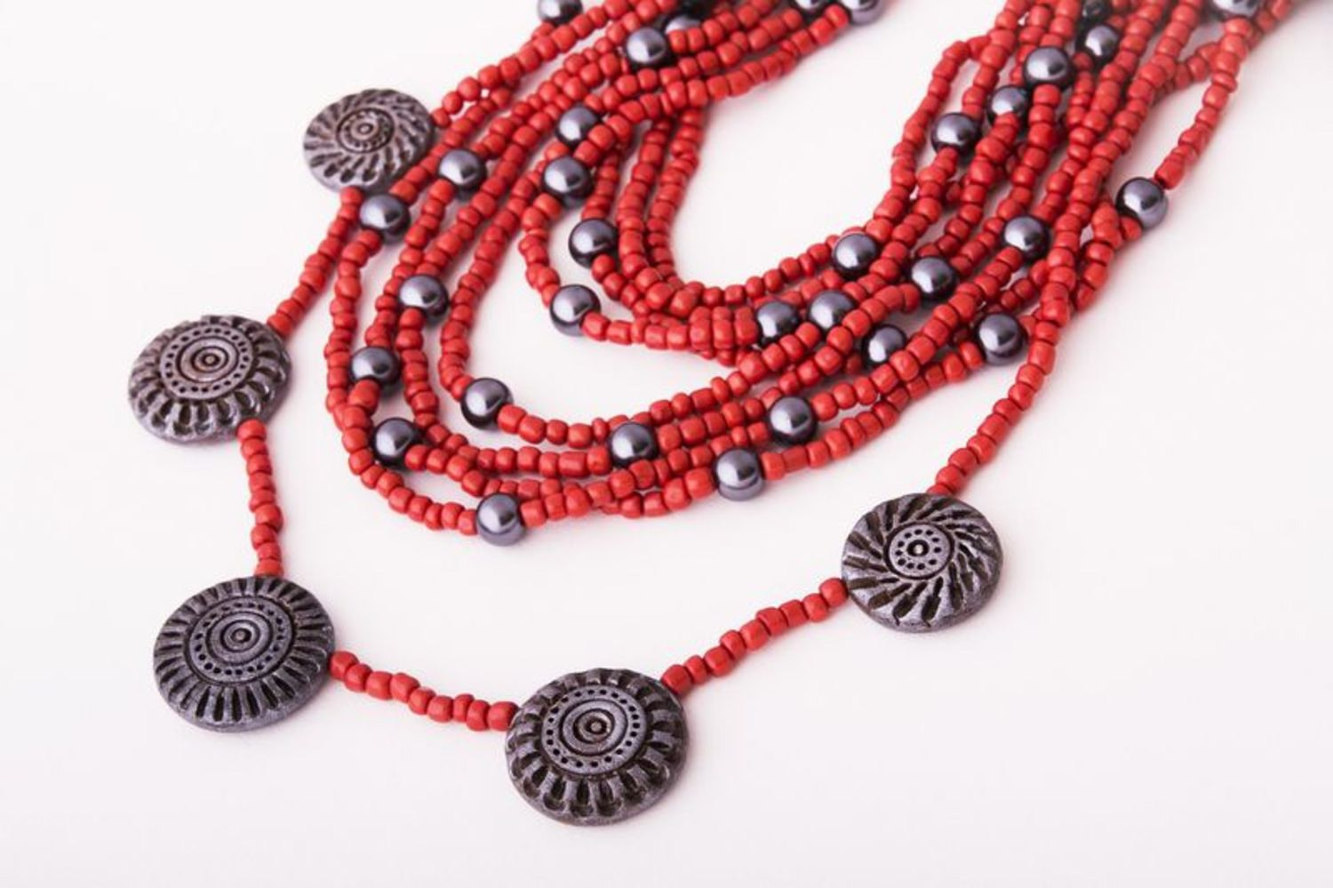 Necklace made of beads photo 1