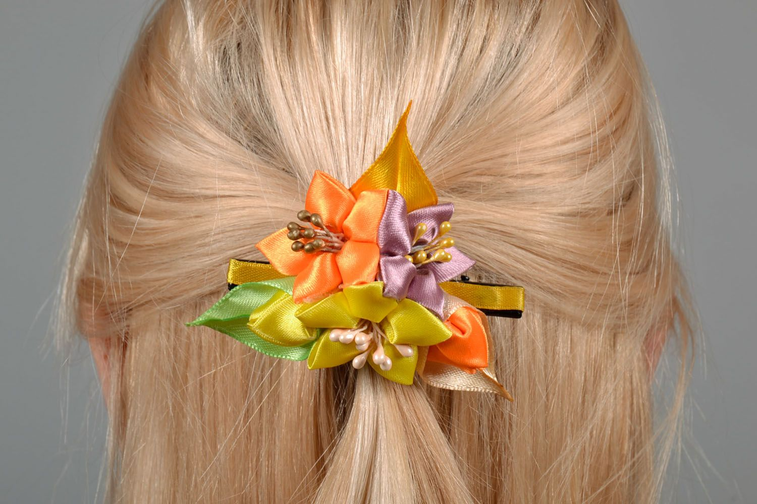 Hair clip with flowers photo 1