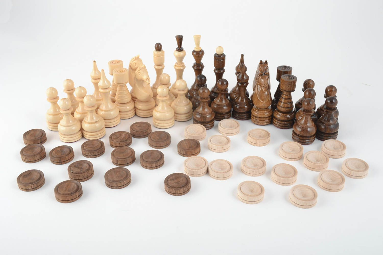 Notice: Undefined variable: cat in /home/newmadeheart/prod/cache/volt/%%home%%newmadeheart%%prod%%app%%views%%product%%index.volt.php on line 139  Handmade wooden table game chess and checkers beautiful carved chess board - MADEheart.com