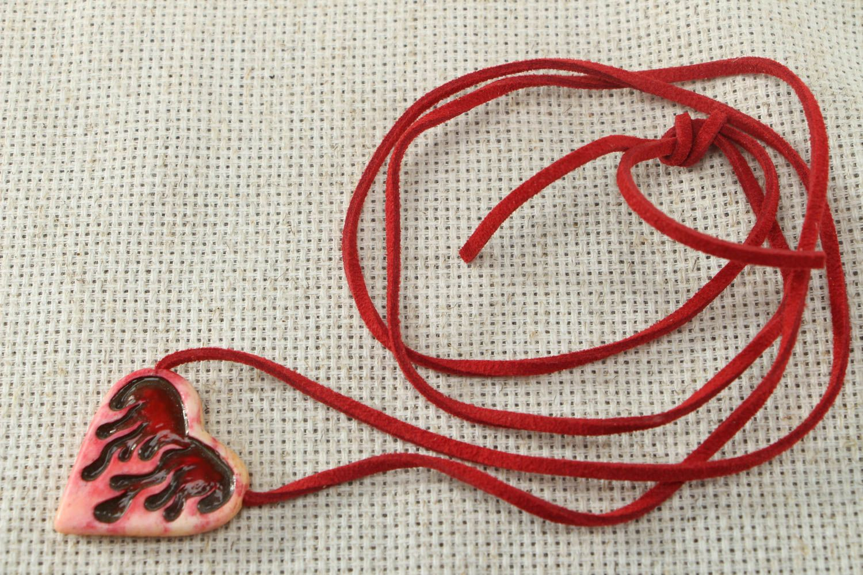 Unusual heart shaped bone pendant photo 1