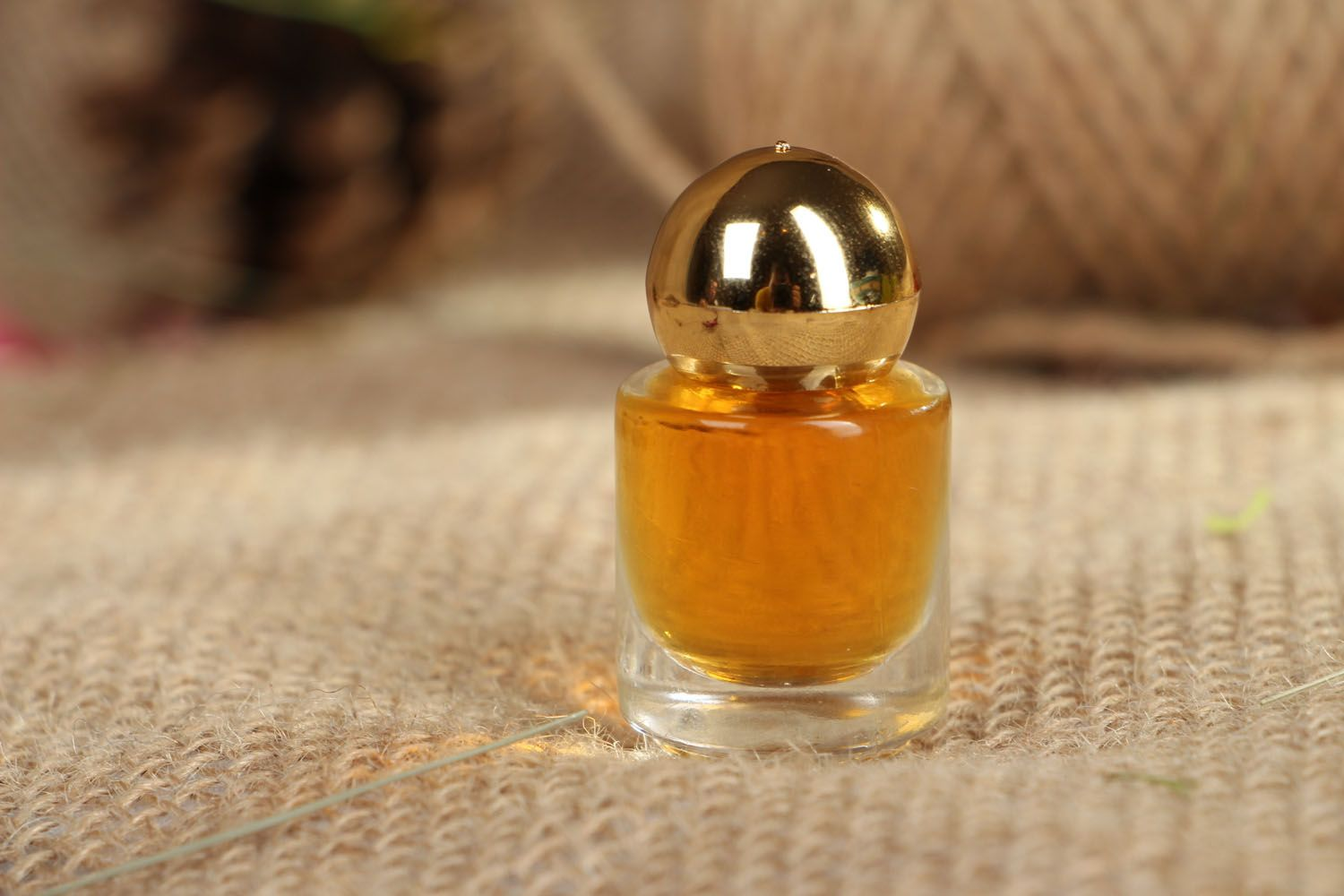 Middle Eastern scented perfume photo 3