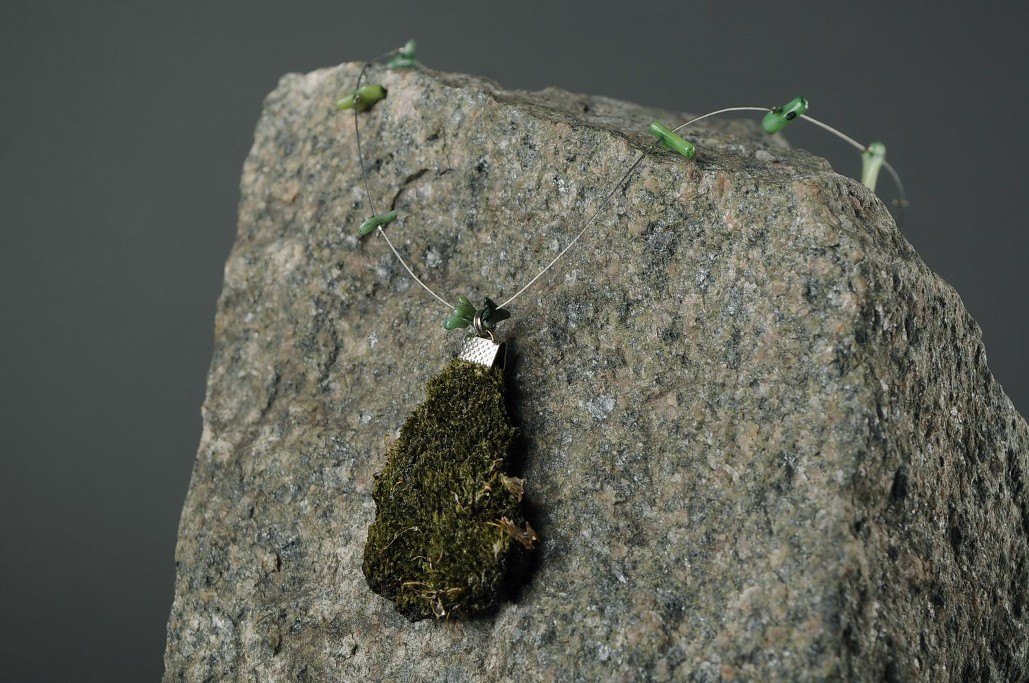 Pendant made of natural moss photo 4