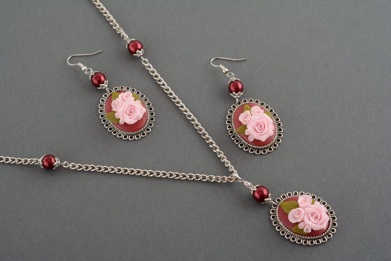 Plastic jewelry set Roses photo 2