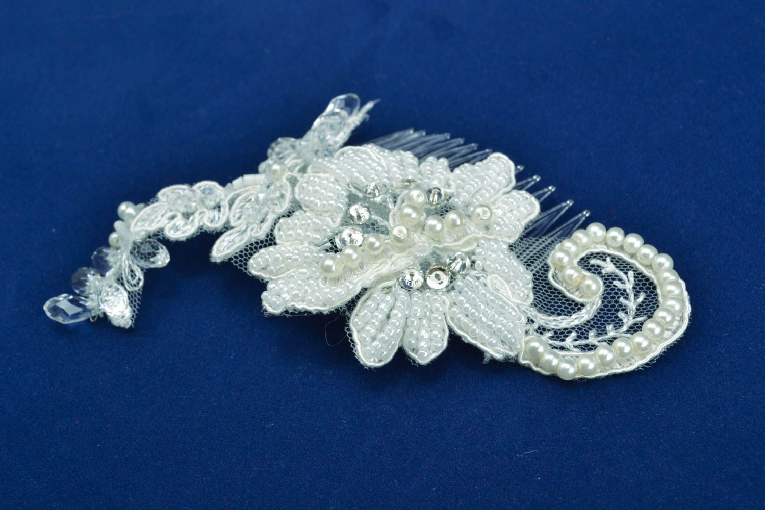 Hair comb with pearl and strasses photo 1