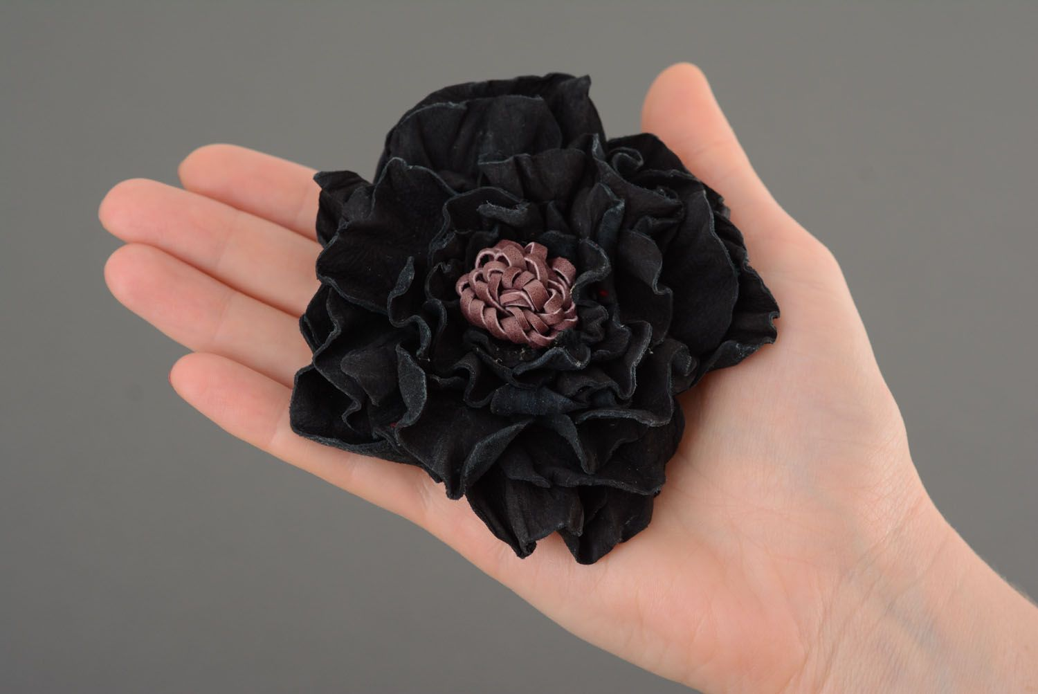 Large leather hair clip photo 4