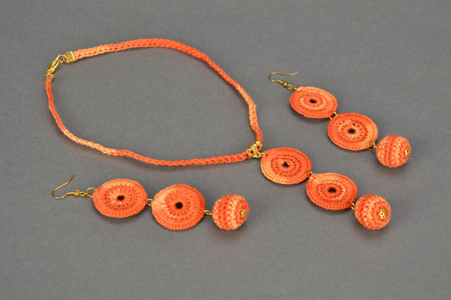 Crocheted handmade jewelry Orange photo 1