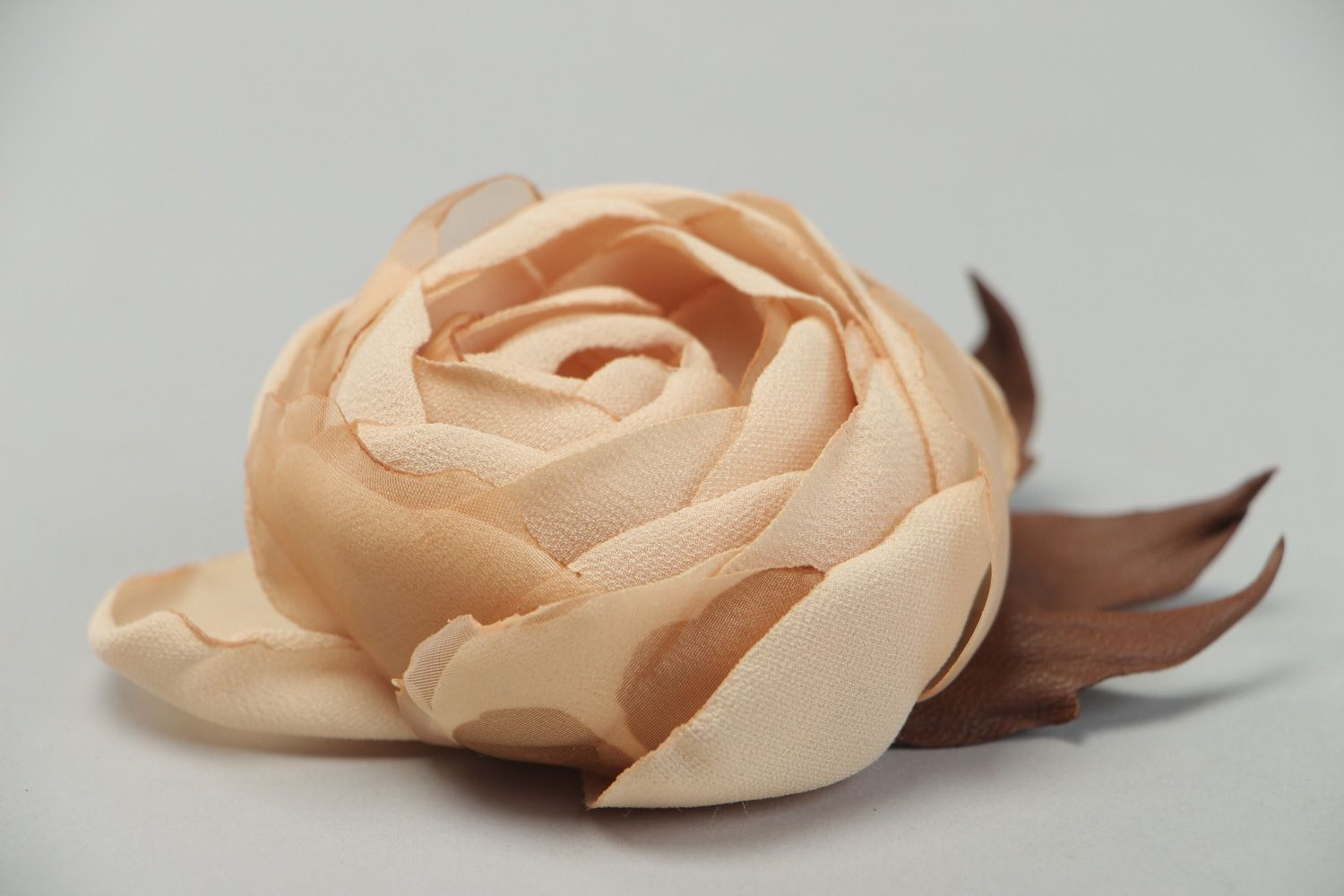Large beautiful beige brooch hand made of genuine leather and chiffon Rose photo 2