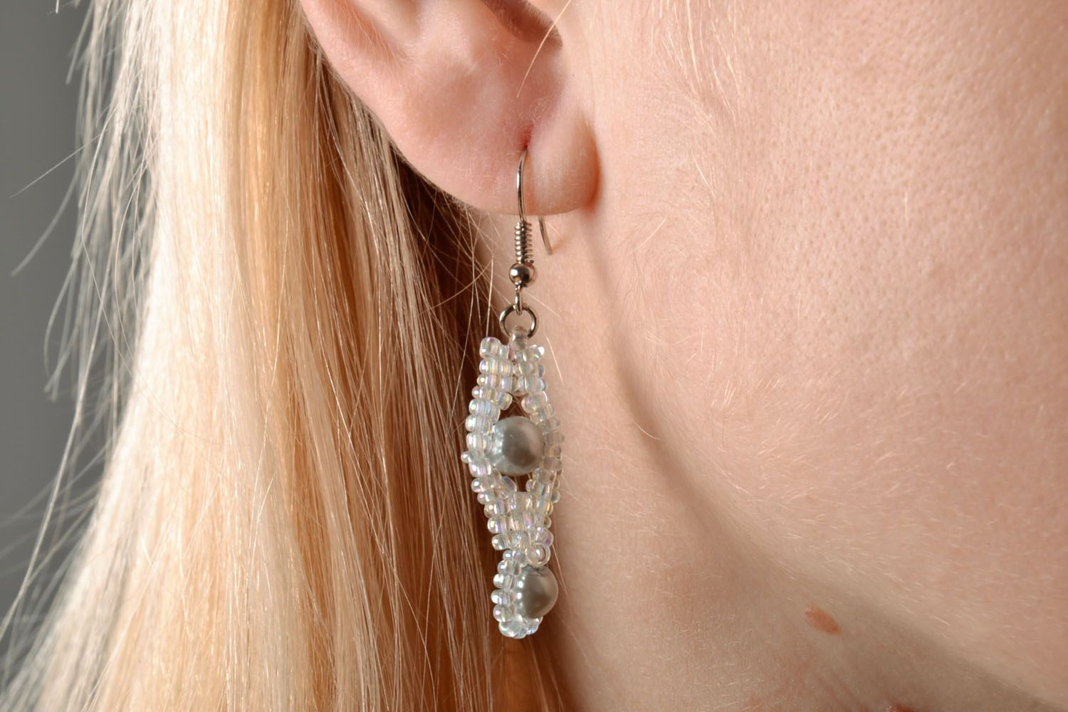 White earrings with artificial pearls photo 5