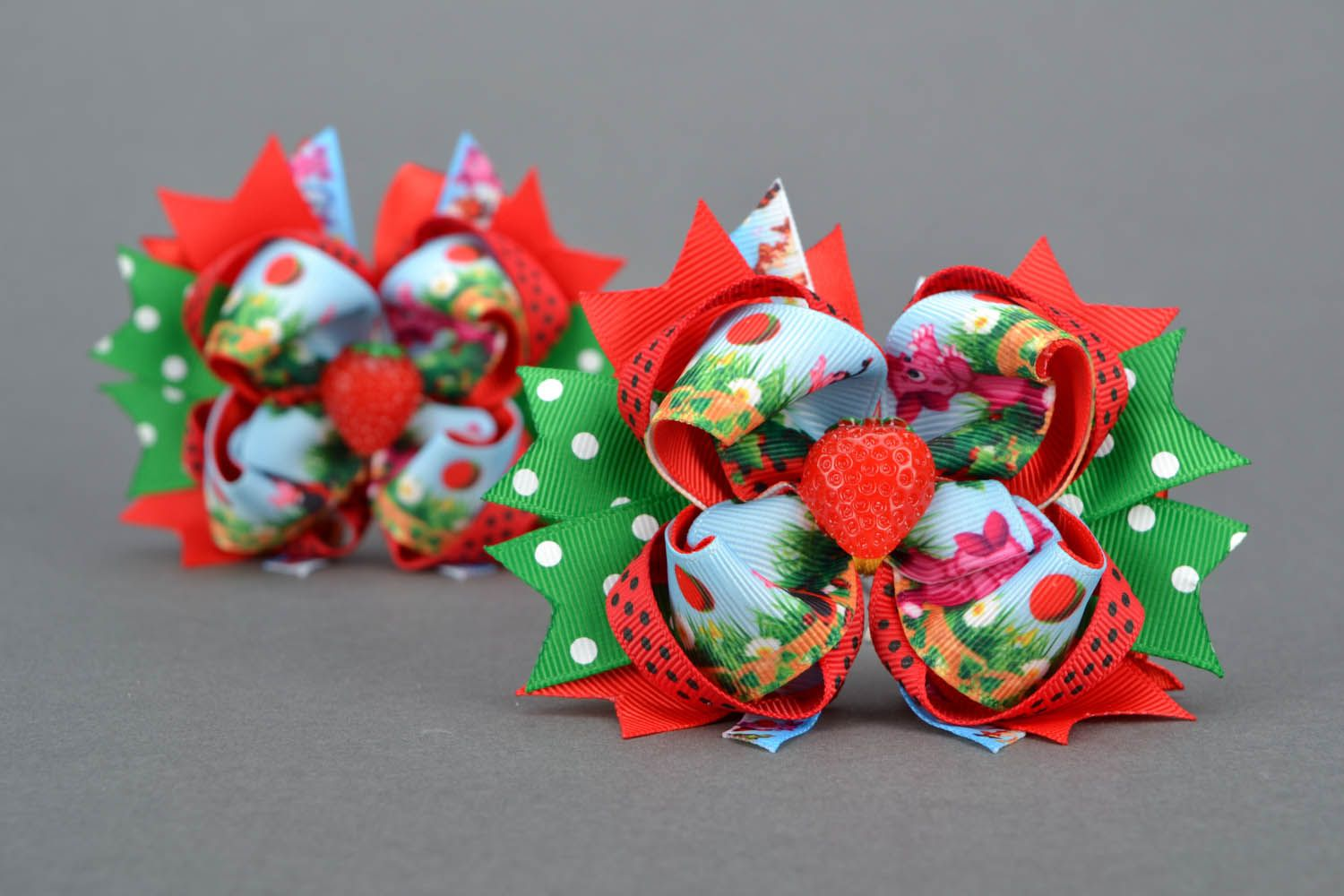 Hair clips with ribbons Strawberries photo 1