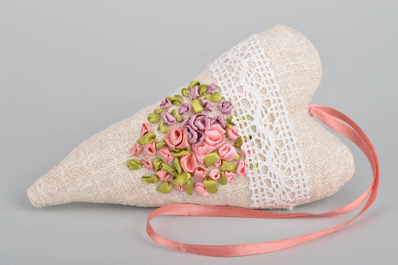 Handmade heart shaped scented fabric interior sachet pillow for home decor photo 2