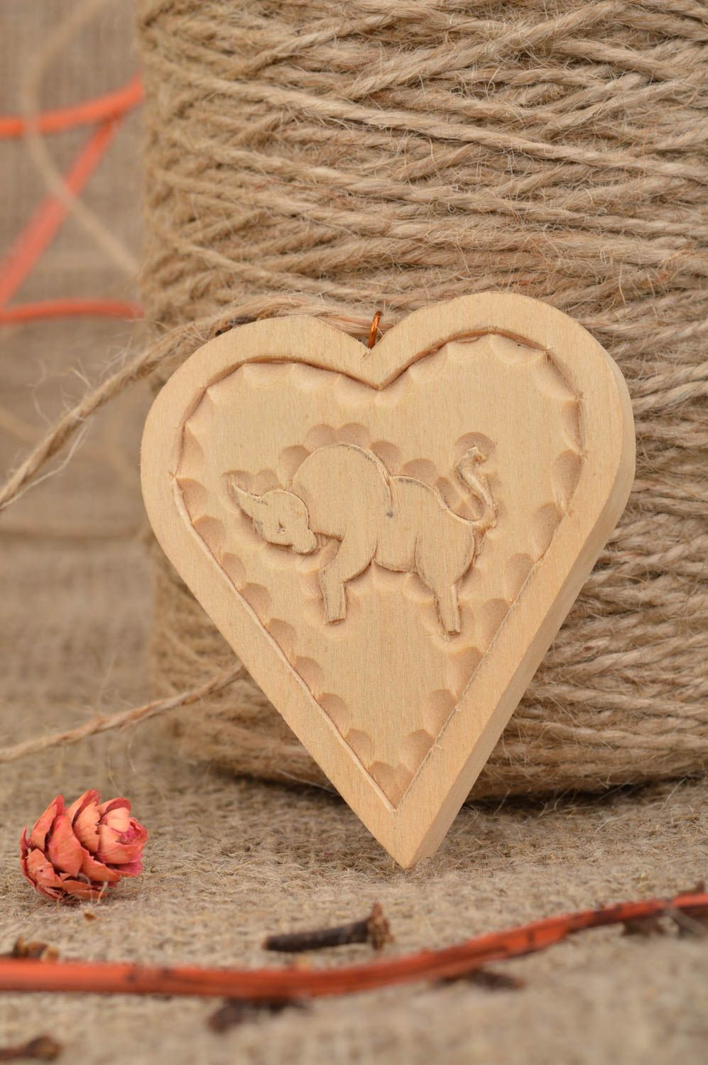 Amazing Wooden Heart Wall Decoration Illustration - The Wall Art ...