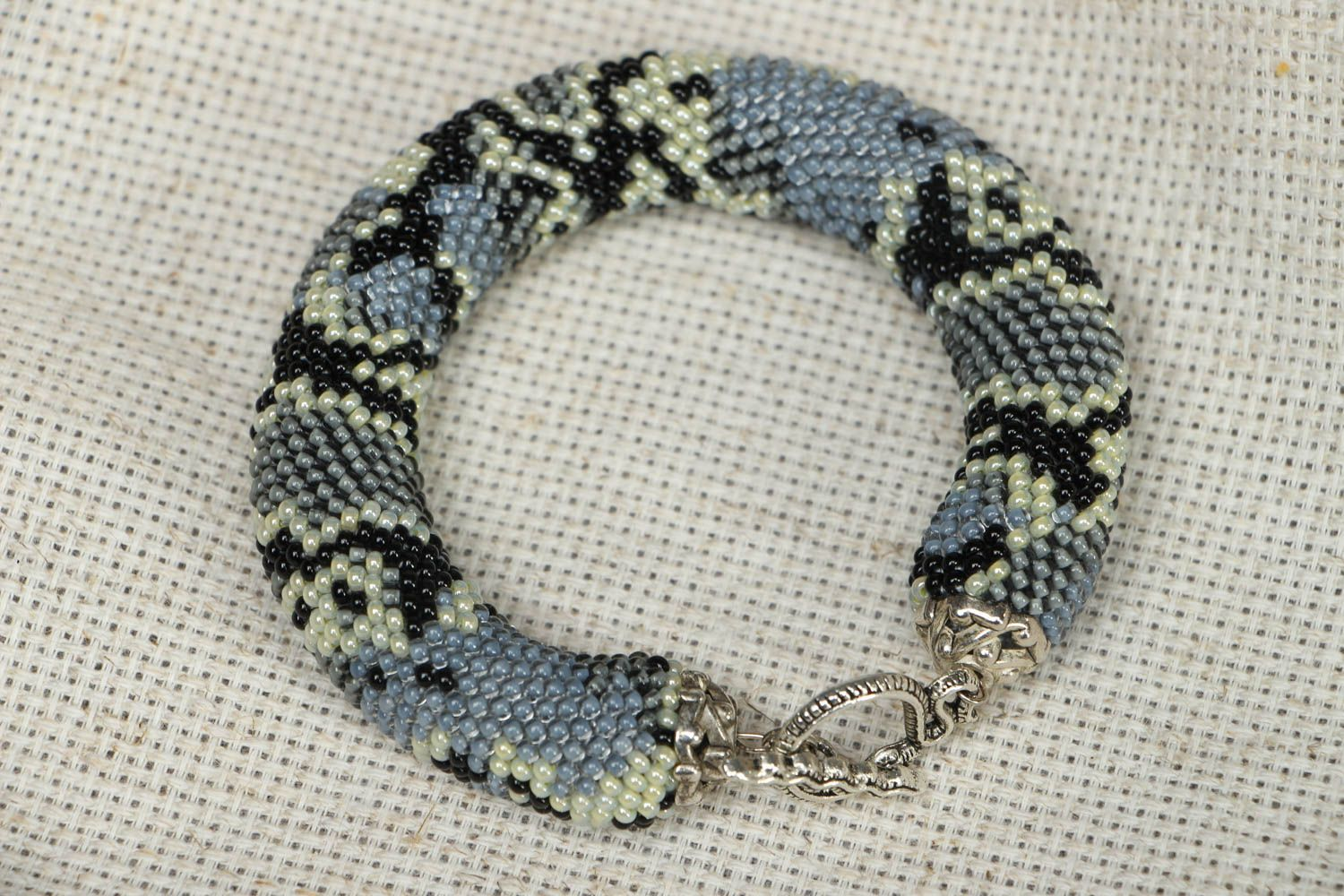Beaded wrist bracelet Python  photo 3