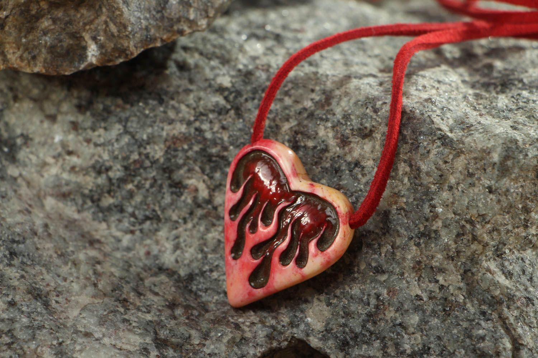 Unusual heart shaped bone pendant photo 5