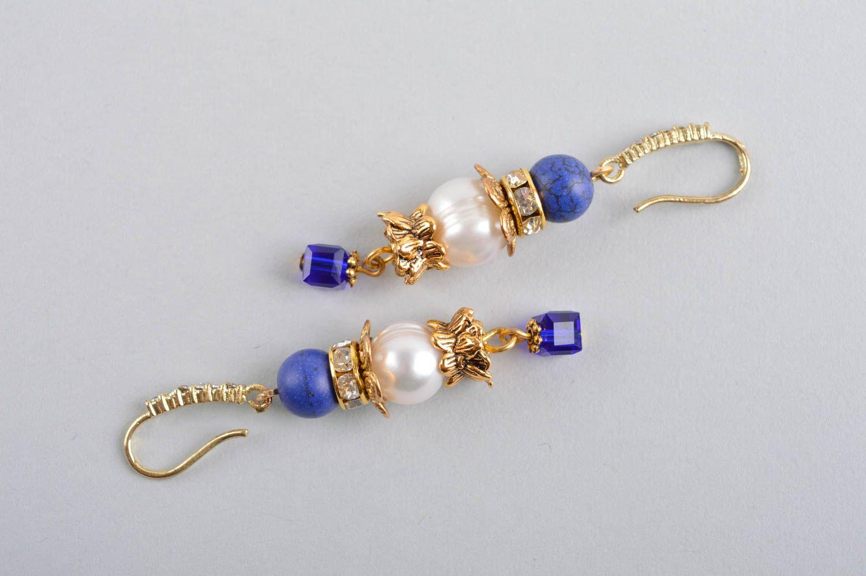 pendientes con colgantes Pendientes de latón y perlas bisutería artesanal aretes largos con cuentas , MADEheart