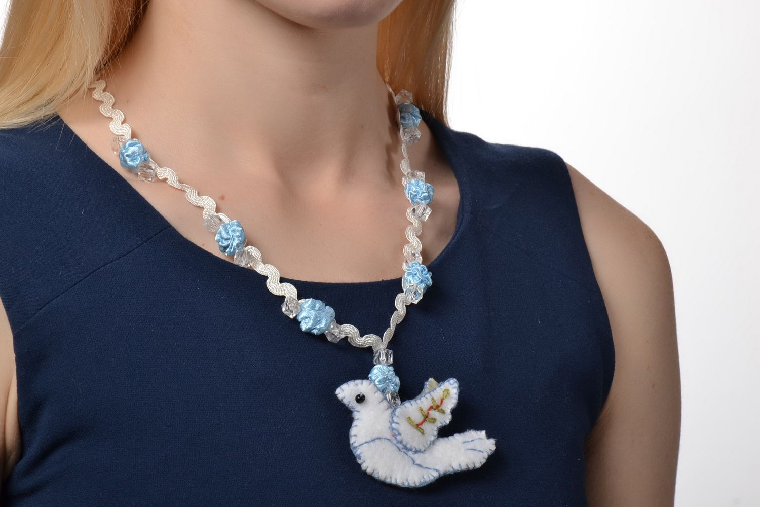 Women's pendant with dove photo 1