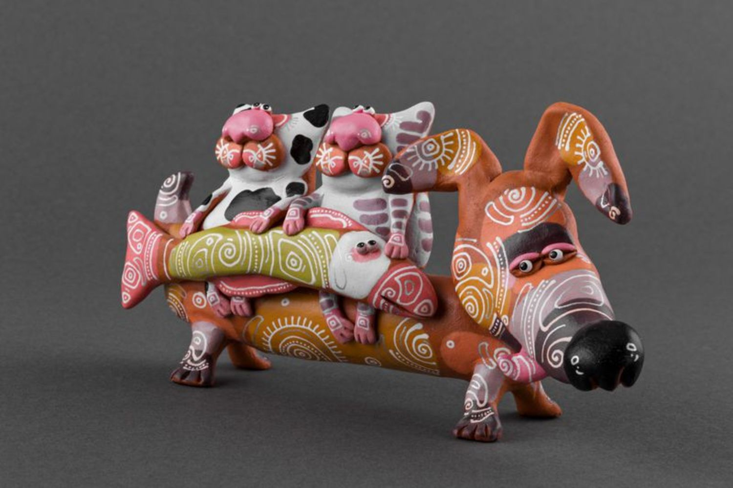 Clay figurine Badger dog with cats photo 5