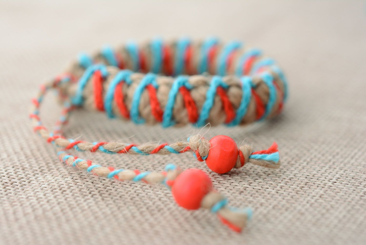 Braided friendship bracelet photo 2