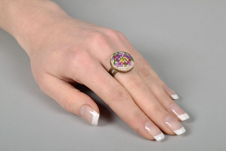Круглое кольцо фото 5