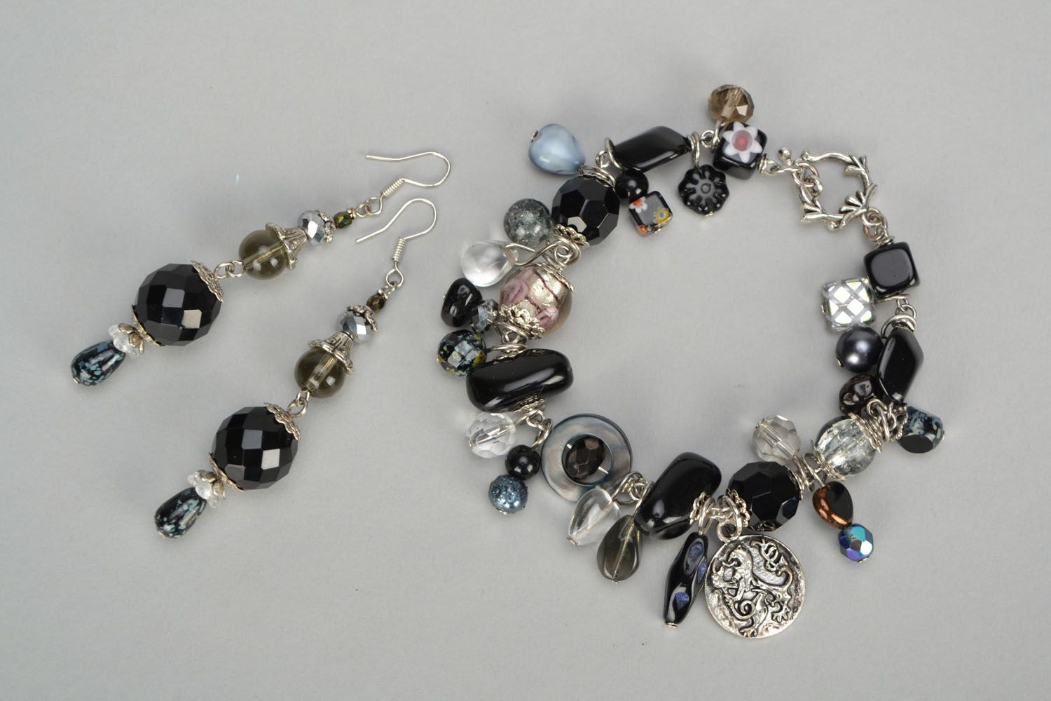 Set of jewelry with beads photo 3