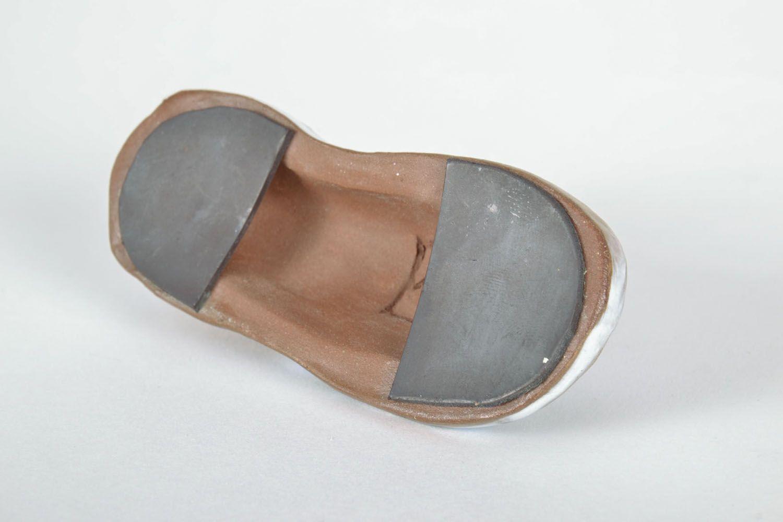Ceramic fridge magnet Shoe photo 4