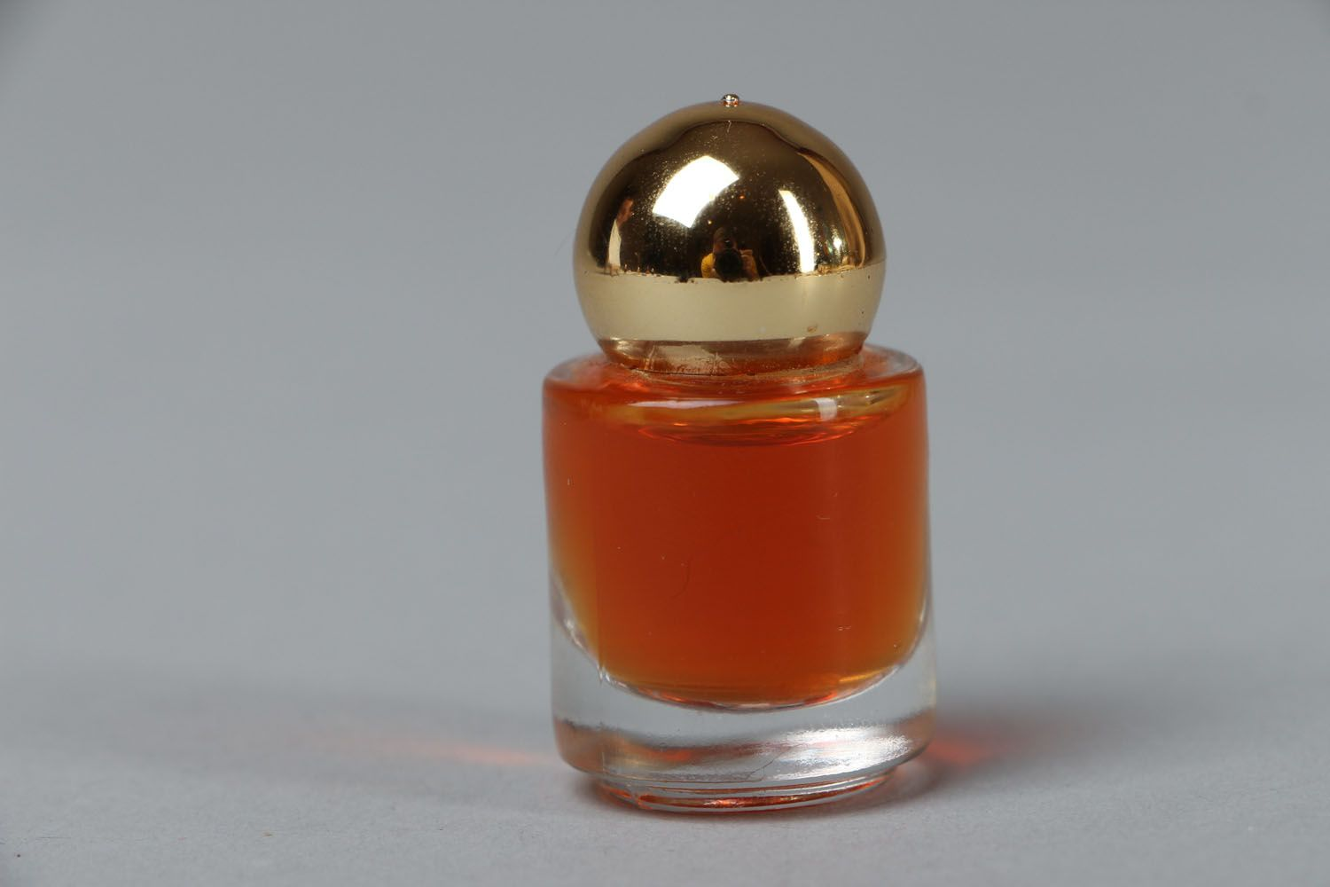 Perfume with citrus and flower scents  photo 1