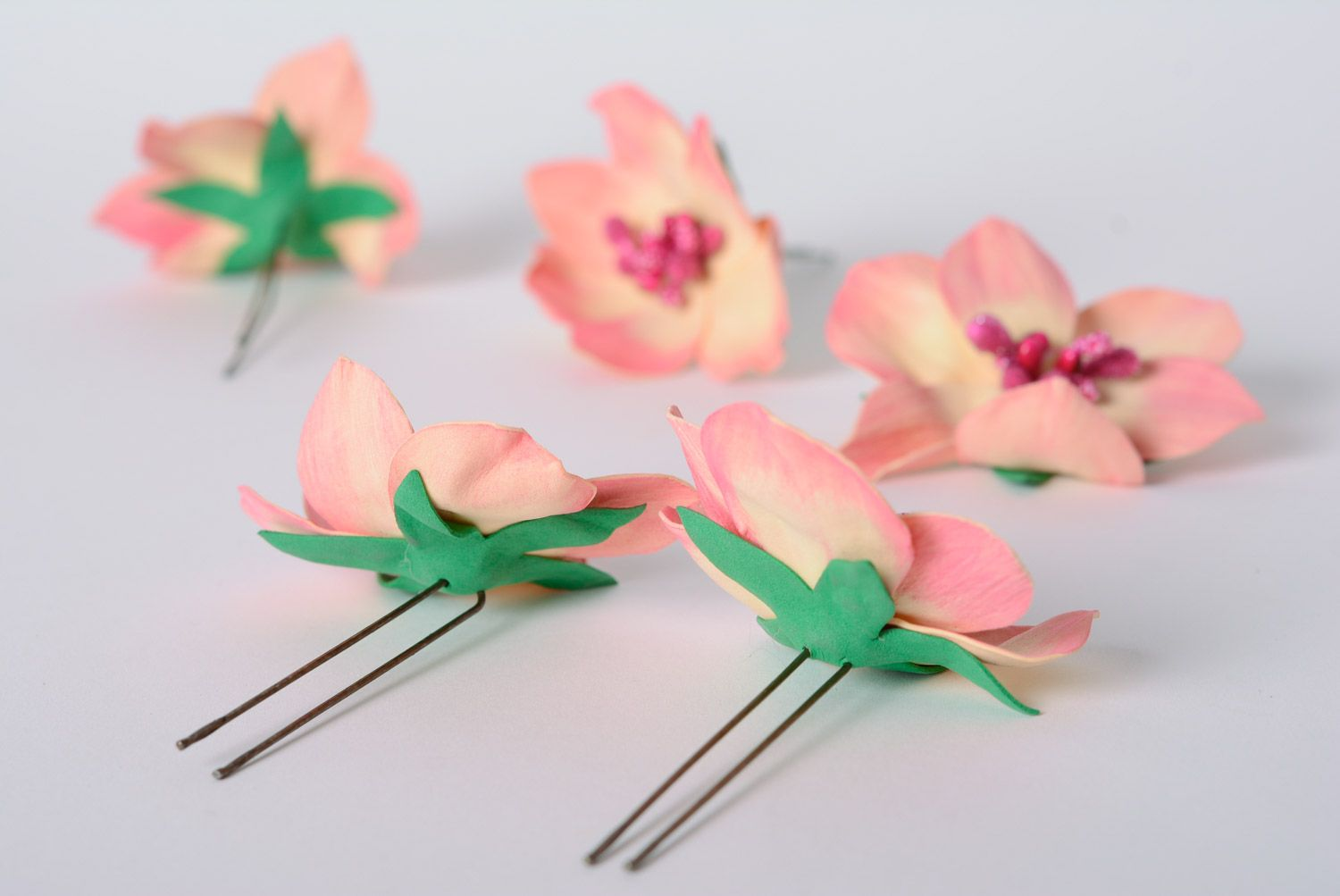 Set of handmade foamiran fabric flower hairpins 5 pieces of pink color photo 4