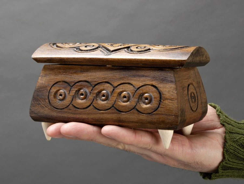 Caja tallada en madera para joyas foto 5