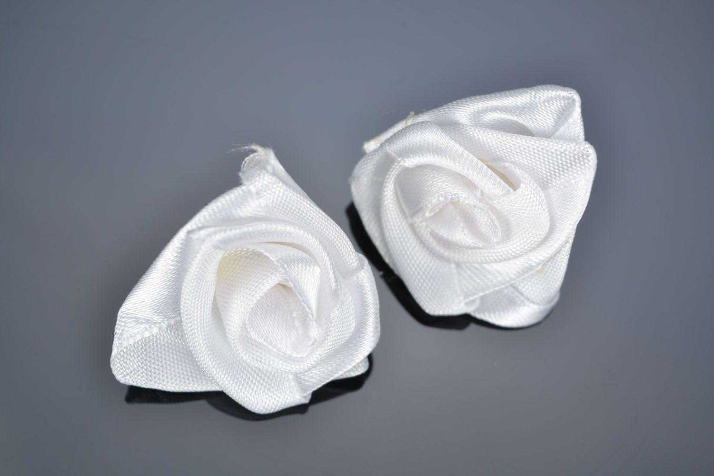 Homemade stud earrings White roses photo 1