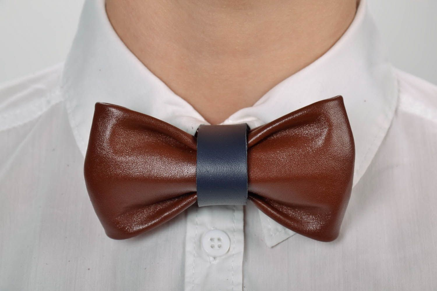 Leather bow tie photo 7