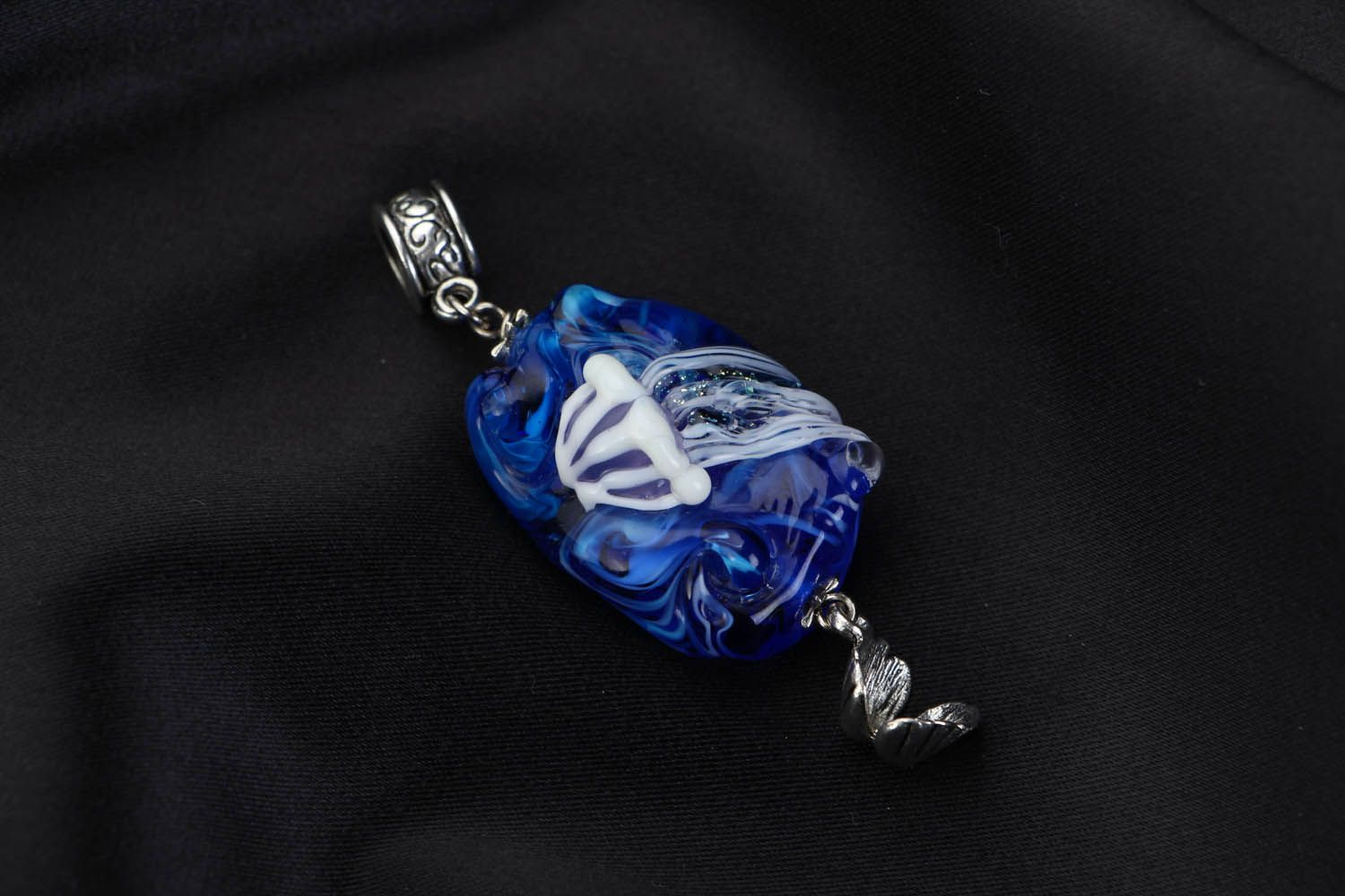 Glass pendant Jellyfish photo 1