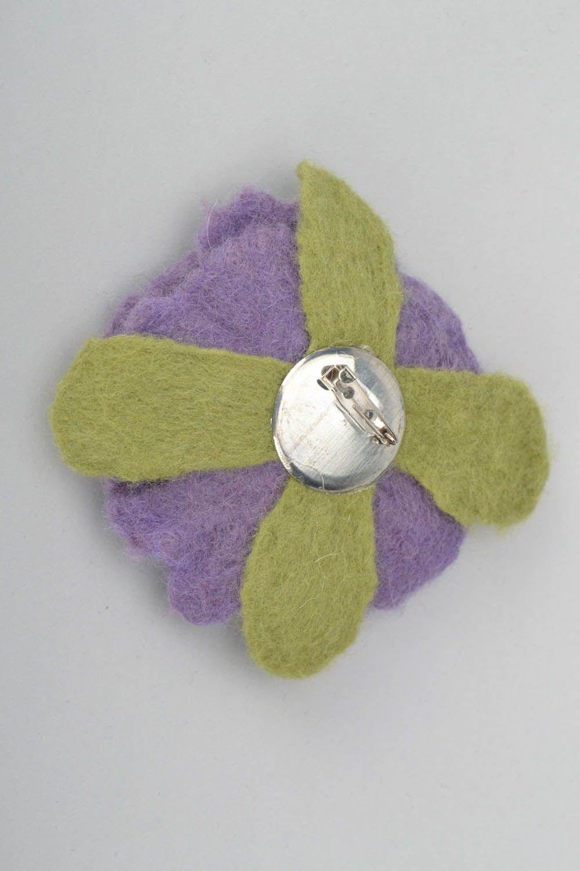 Brosche aus Wolle in der Filztechnik foto 5