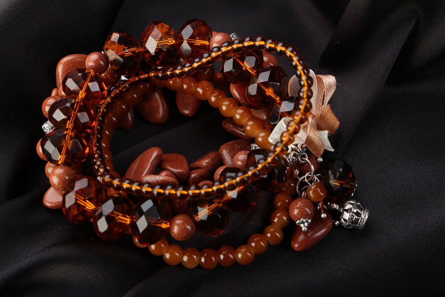 Set of women's bracelets with natural stones photo 1