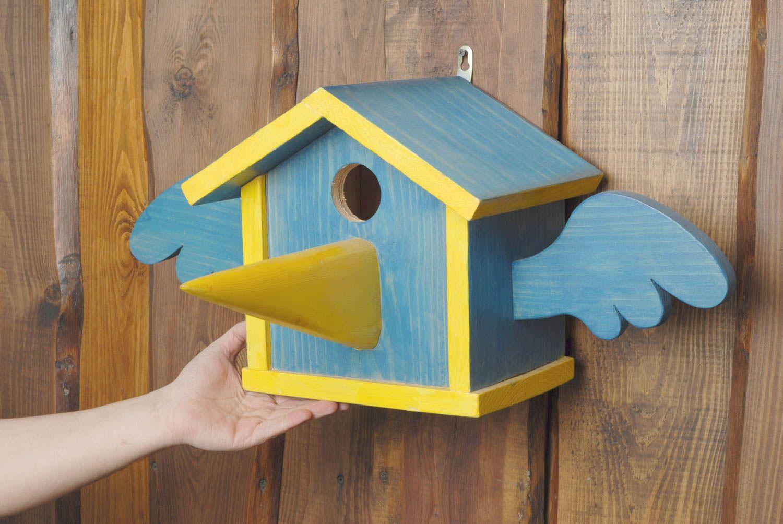 casas para animales Comedero para pájaros de madera pintada - MADEheart.com 4f8369a0881