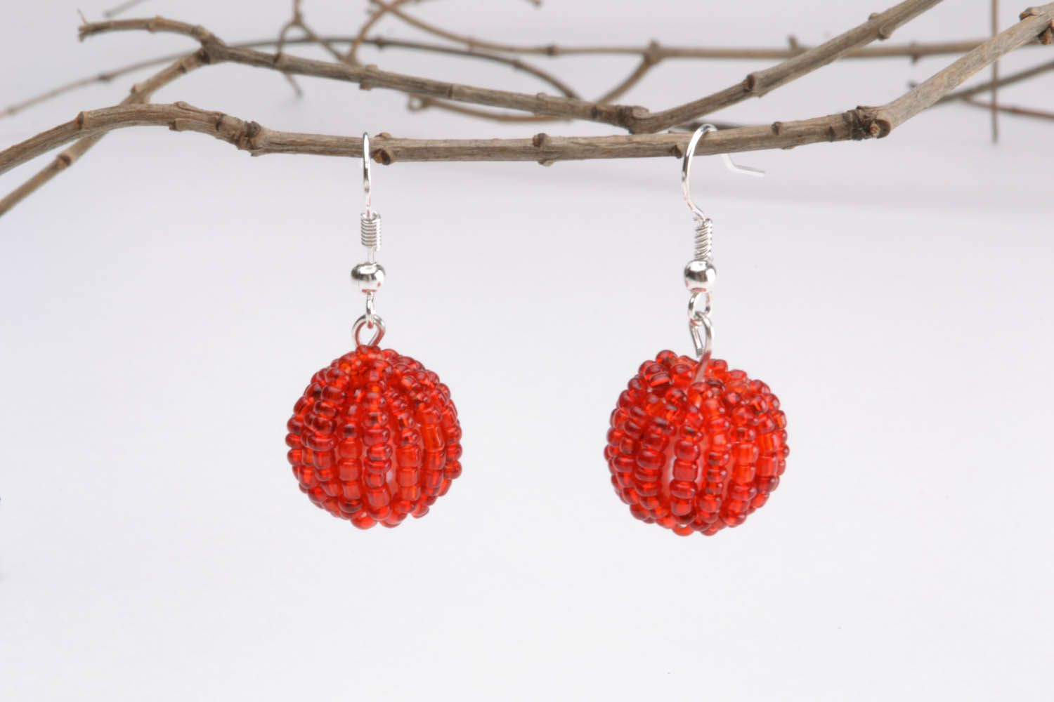 Earrings with red beads photo 1