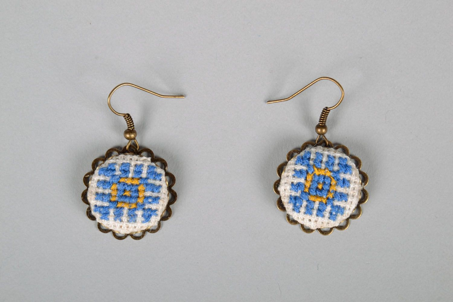 Pendant earrings with embroidery photo 2