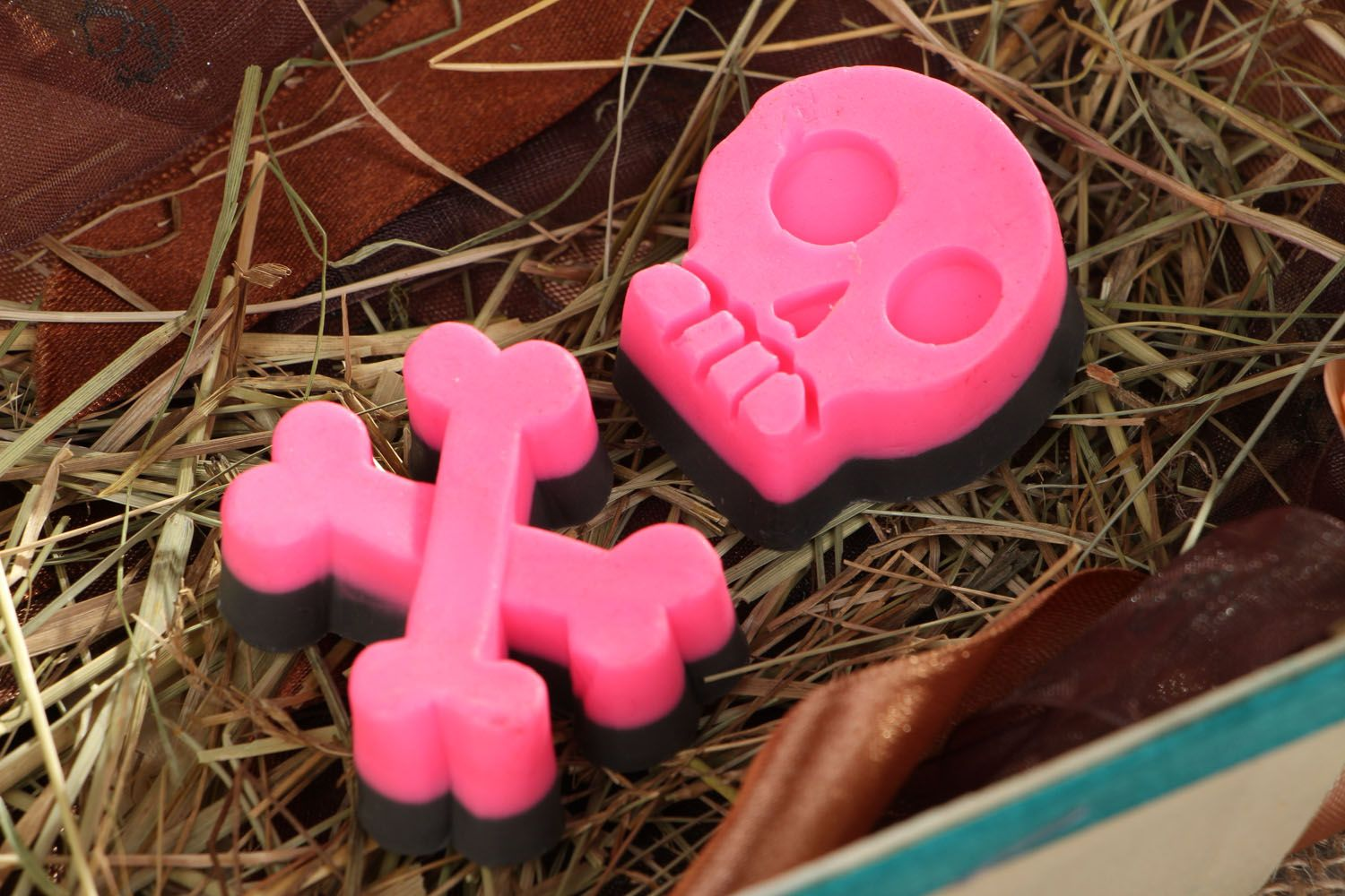 soap Natural soap in the shape of a skull with bones - MADEheart.com
