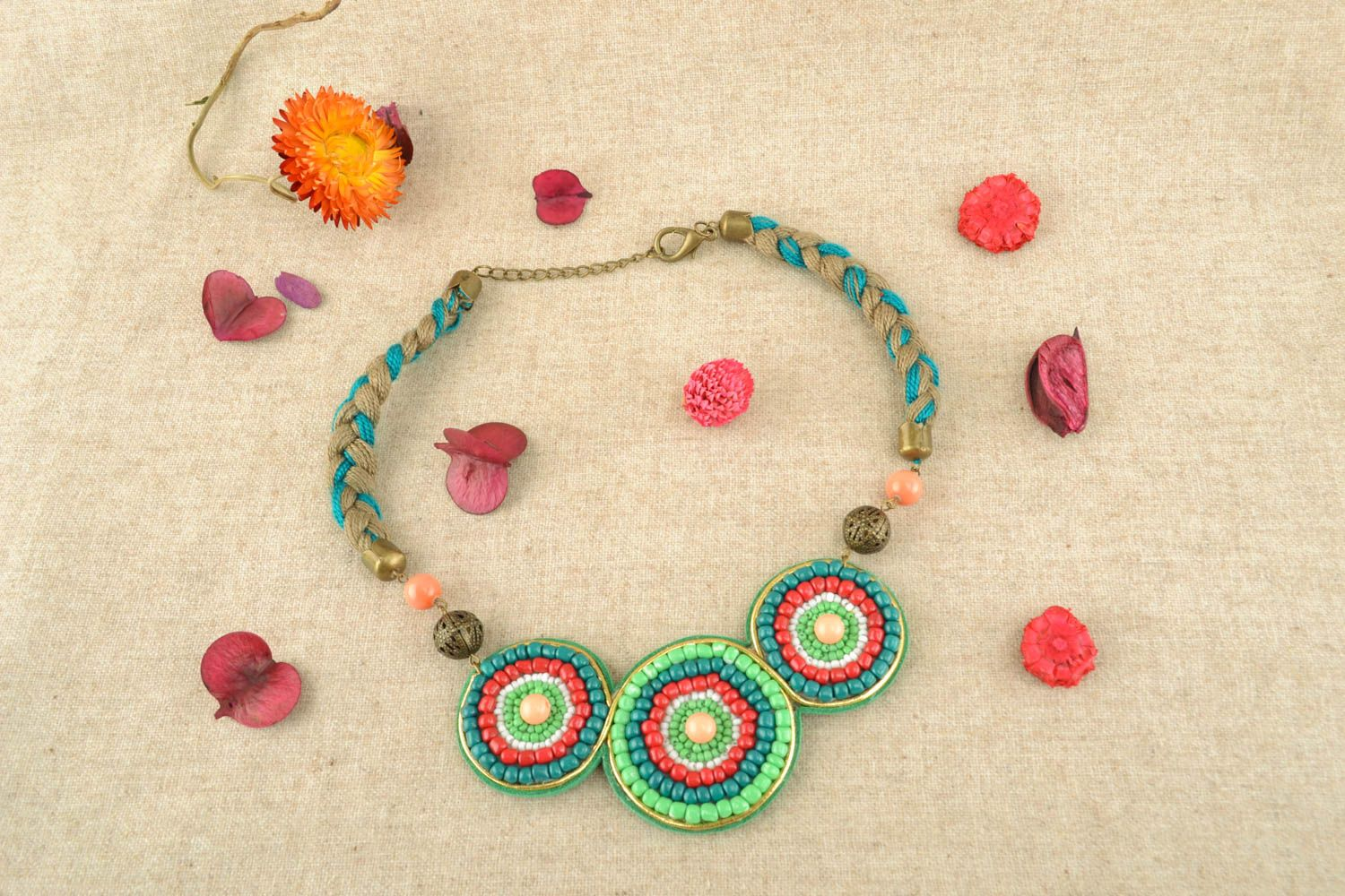 Casual beaded necklace photo 5