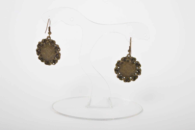 Модные серьги украшение ручной работы маленькие серьги из полимерной глины фото 5