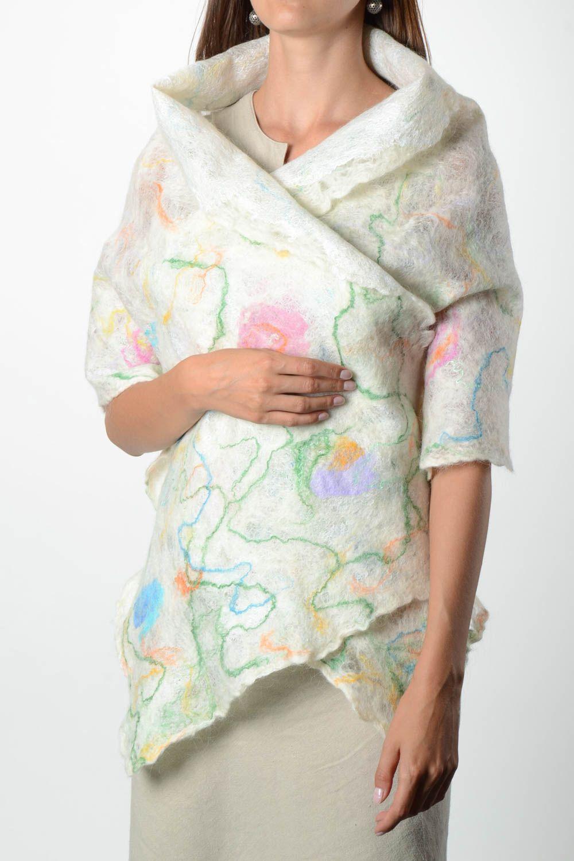 echarpes et palatines Châle femme fait main Accessoire laine blanc chaud  Cadeau femme original - MADEheart c3b70f36773