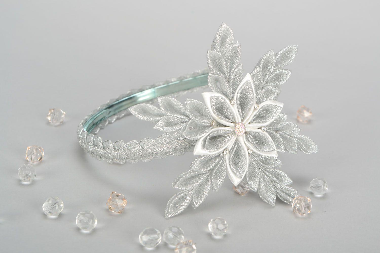 Headband with snow-white flower photo 1