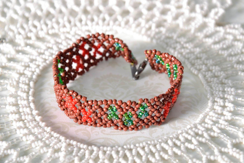 Плетеный браслет на руку фото 1