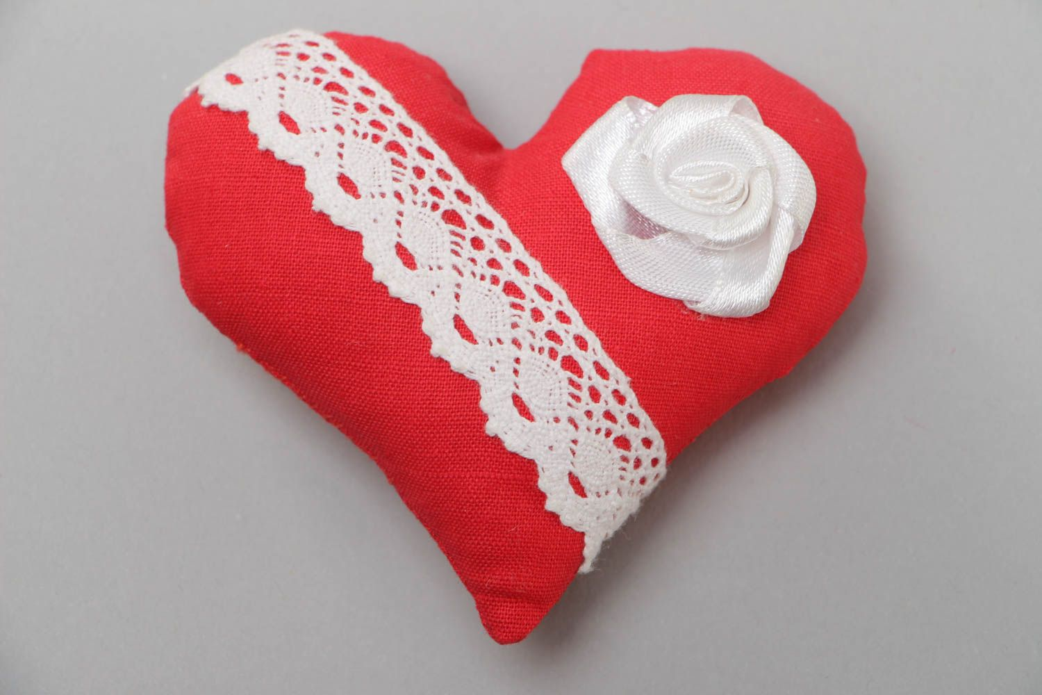 Handmade decorative fridge magnet with soft red cotton fabric heart with lace photo 2