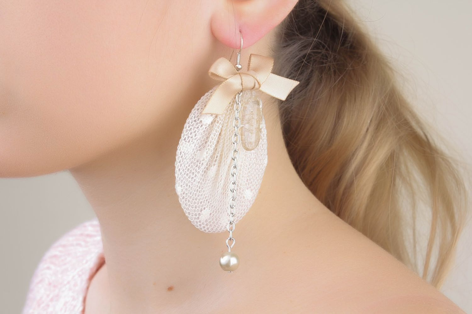Earrings with lace and bows photo 1