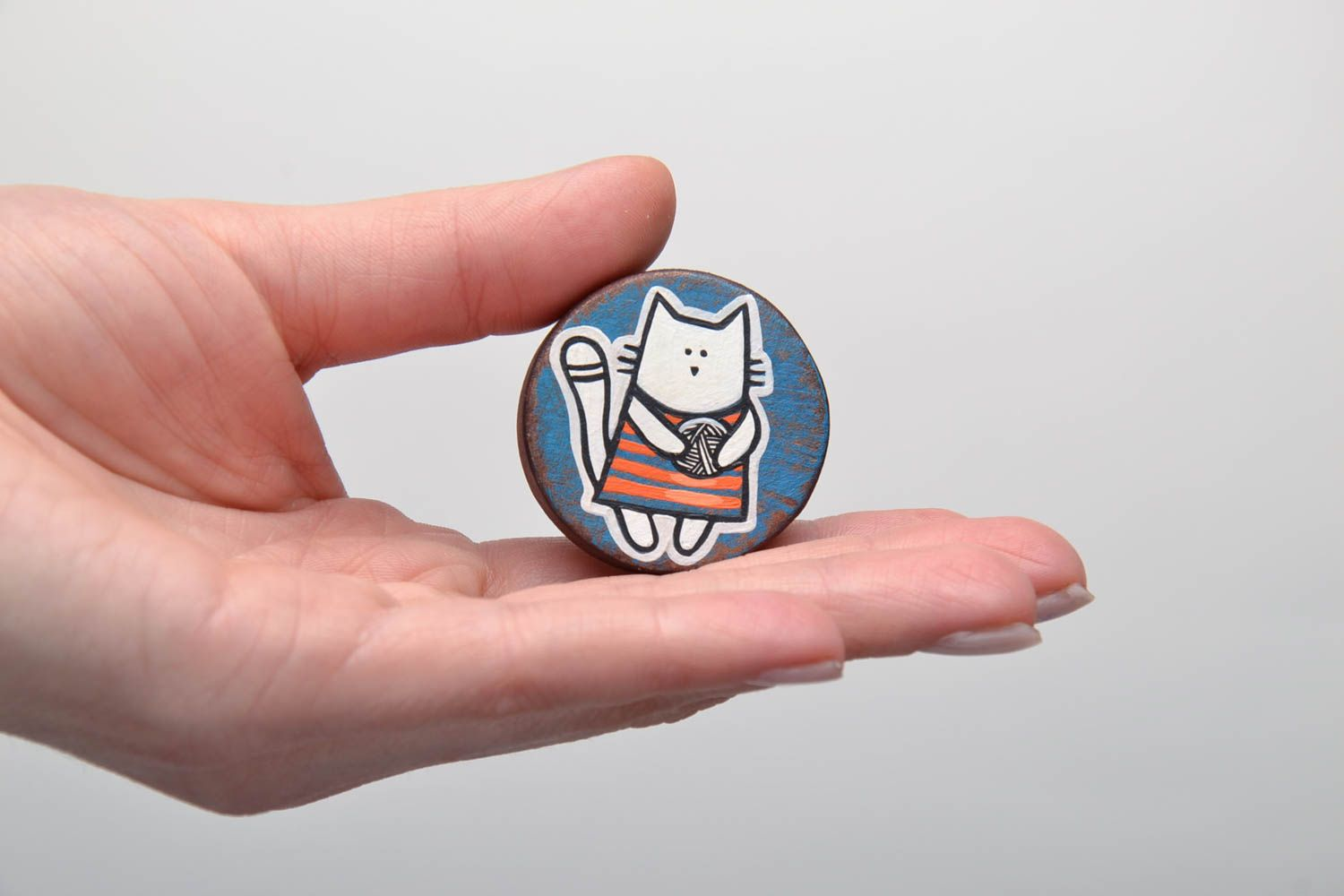 Hand painted wooden brooch Cat photo 5