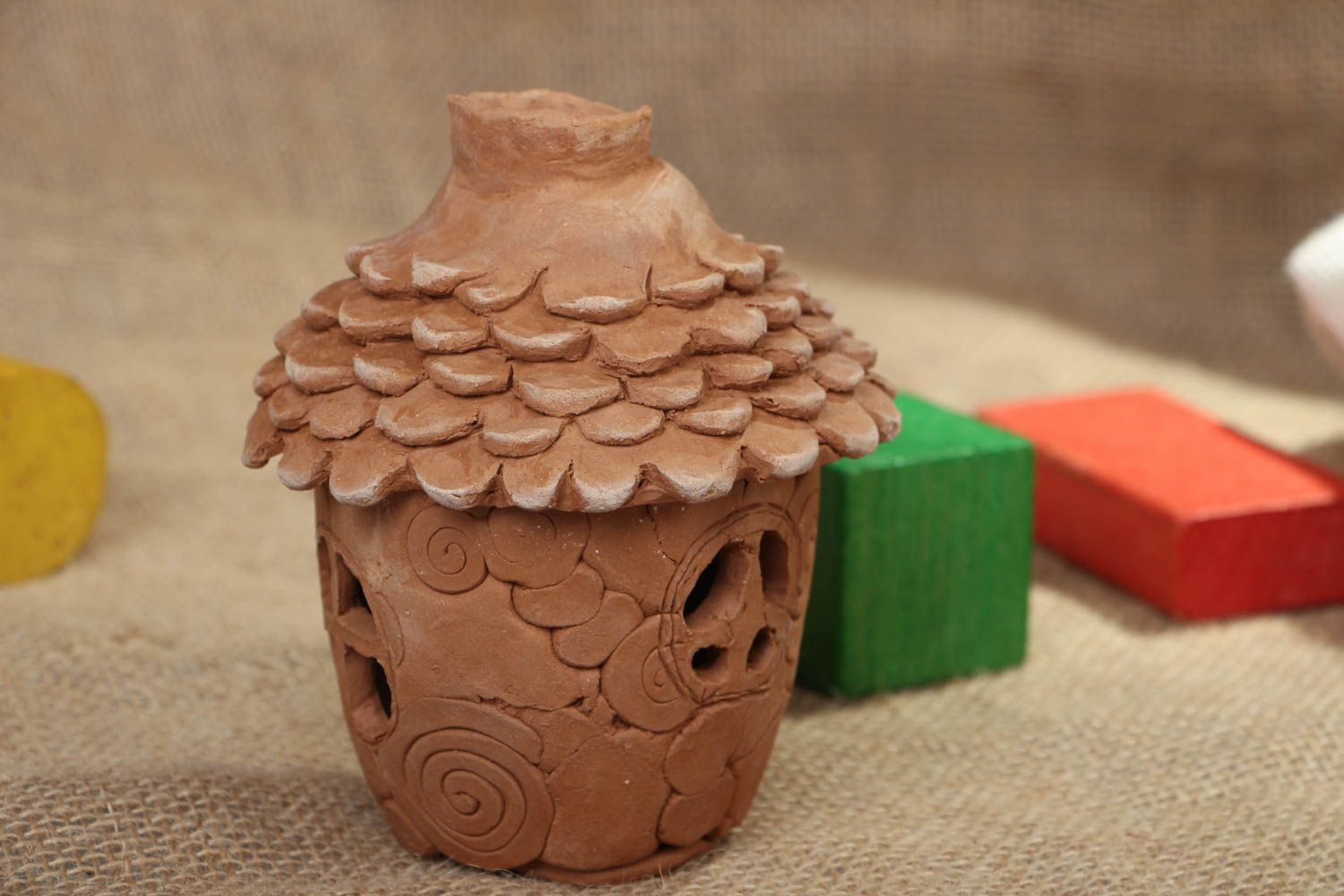 Ceramic aroma lamp in the shape of house photo 5