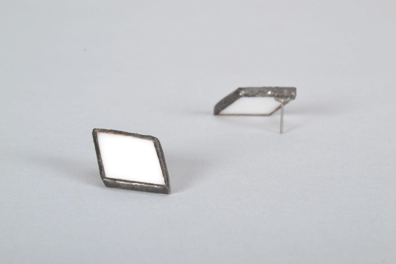 Diamond-shaped glass earrings photo 4