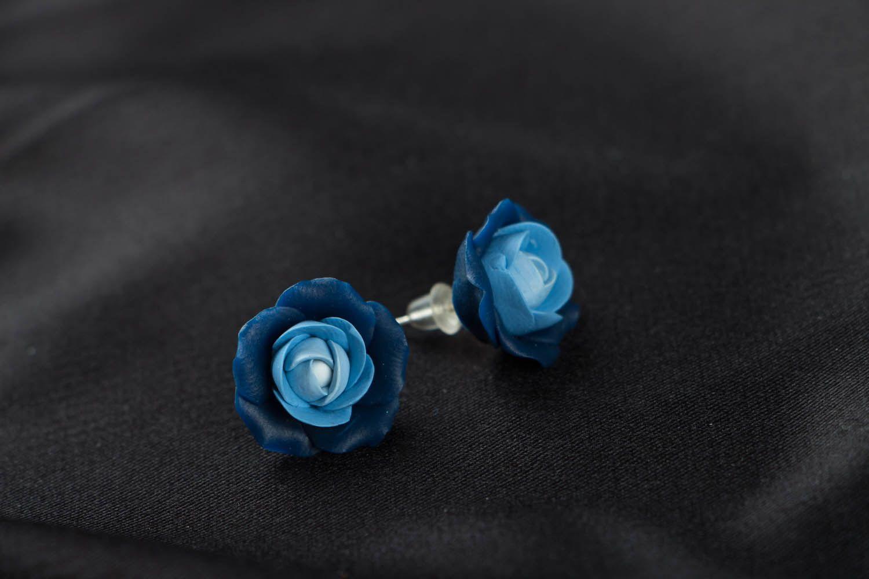 Blaue Blumen Ohrstecker aus Polymerton  foto 2