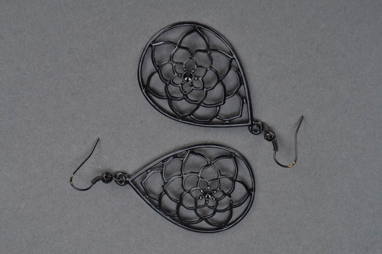 Metal earrings Roses photo 3