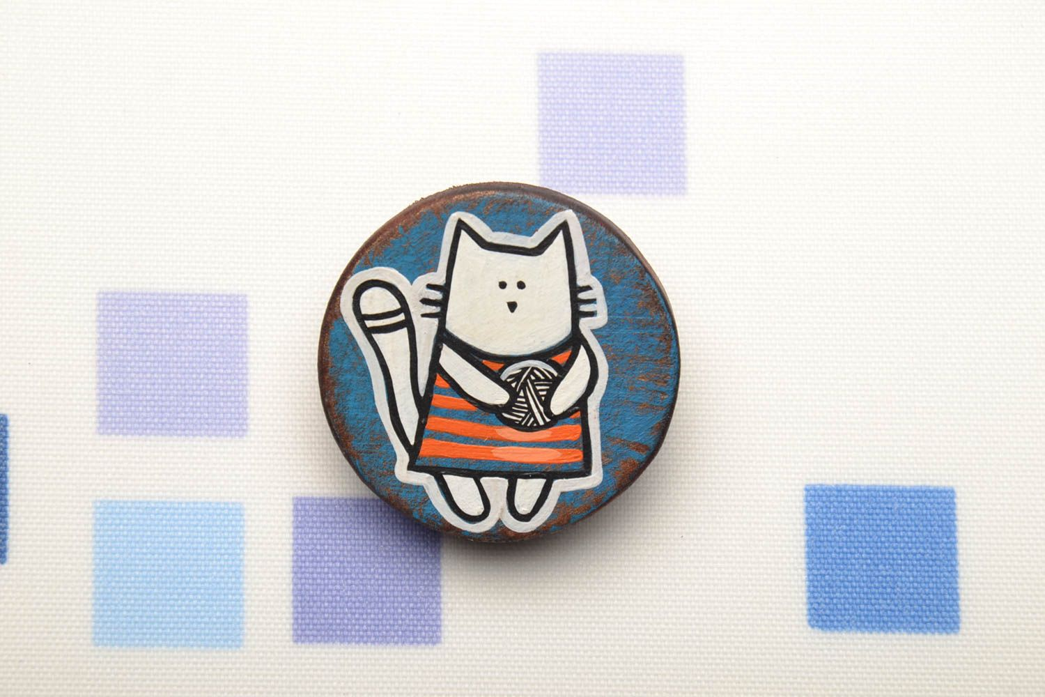 Hand painted wooden brooch Cat photo 1