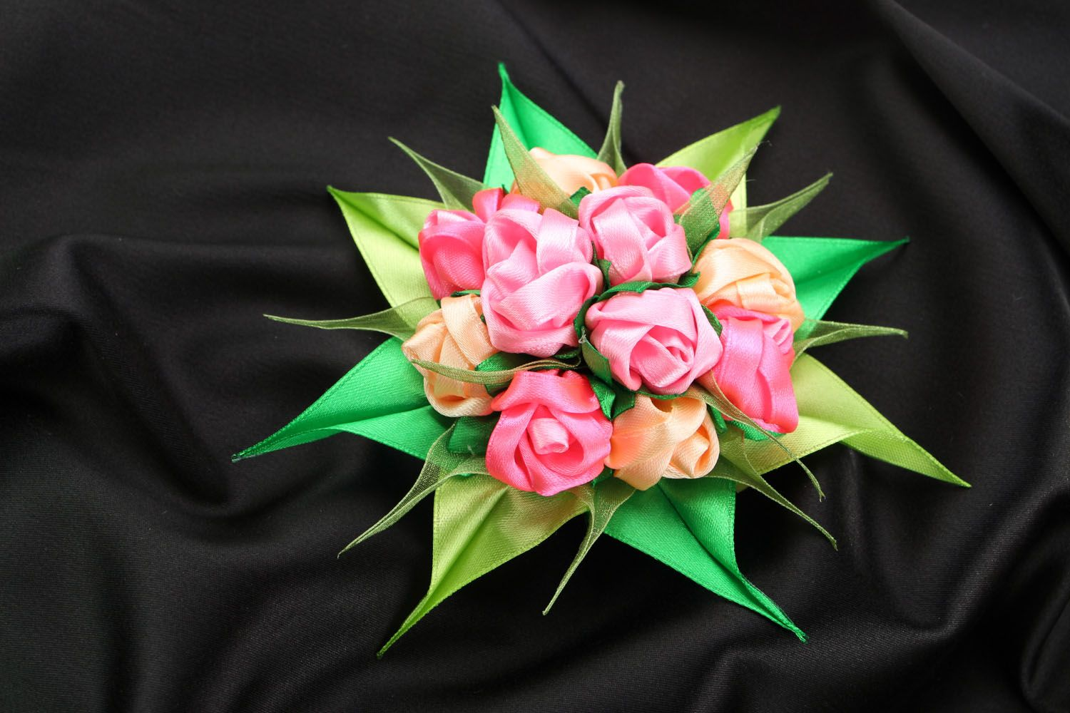 Satin ribbon hair clip Bouquet of Roses photo 1
